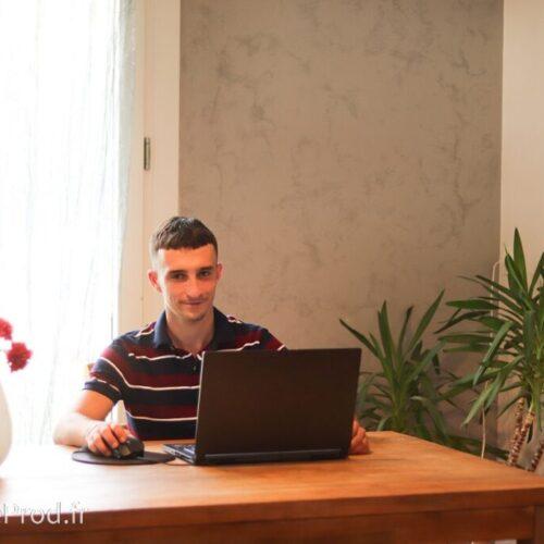 Robin Ducoli - Directeur Général Hubble Prod Grenoble - Communication marketing Grenoble Isère France - Haute qualité - Community Management - Création et gestion de contenu - Community Manager - Photographe - Vidéaste - Création de site internet - Informaticien - Web Designer
